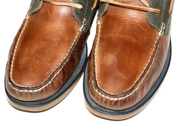 Frisch aufpolierte Schuhe, die Flecken sind weg