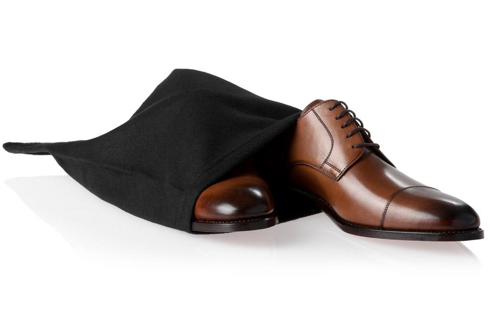 Le sac chaussures id al pour ranger ses chaussures sur - Ranger ses chaussures ...