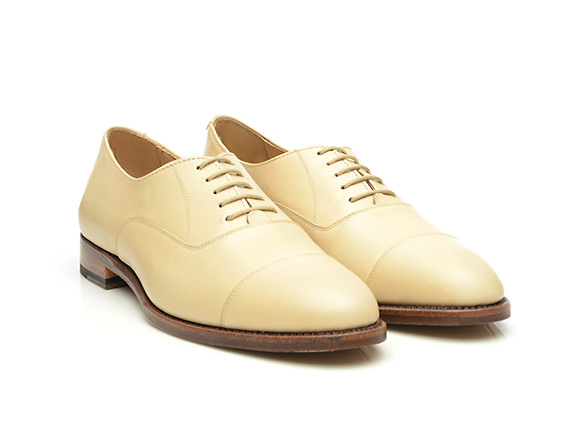 Goodyear-welted women's cap toe Oxford