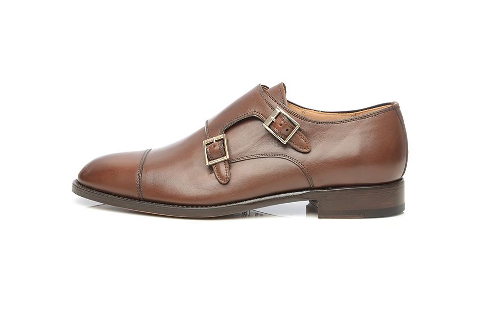 Modèle N° 591 – Chaussure à double boucle marron foncé à bout droit ... c26741f8dd9